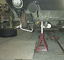 02 07 Montering av traction bars 2 okm.JPG (12717 bytes)